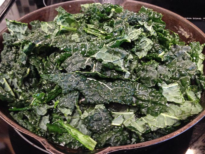 Cast iron pan recipes, breakfast ideas, cooking kale