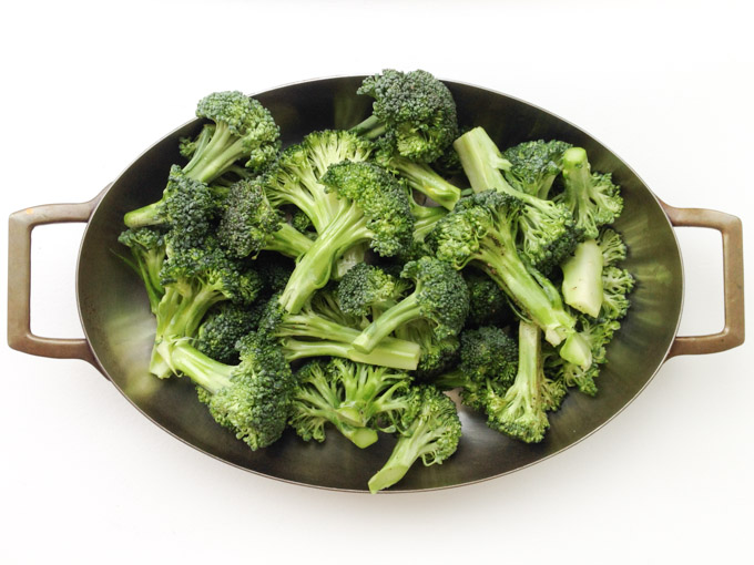 Broccoli is delicious, Fall in Love with Veggies, Eat with Tom
