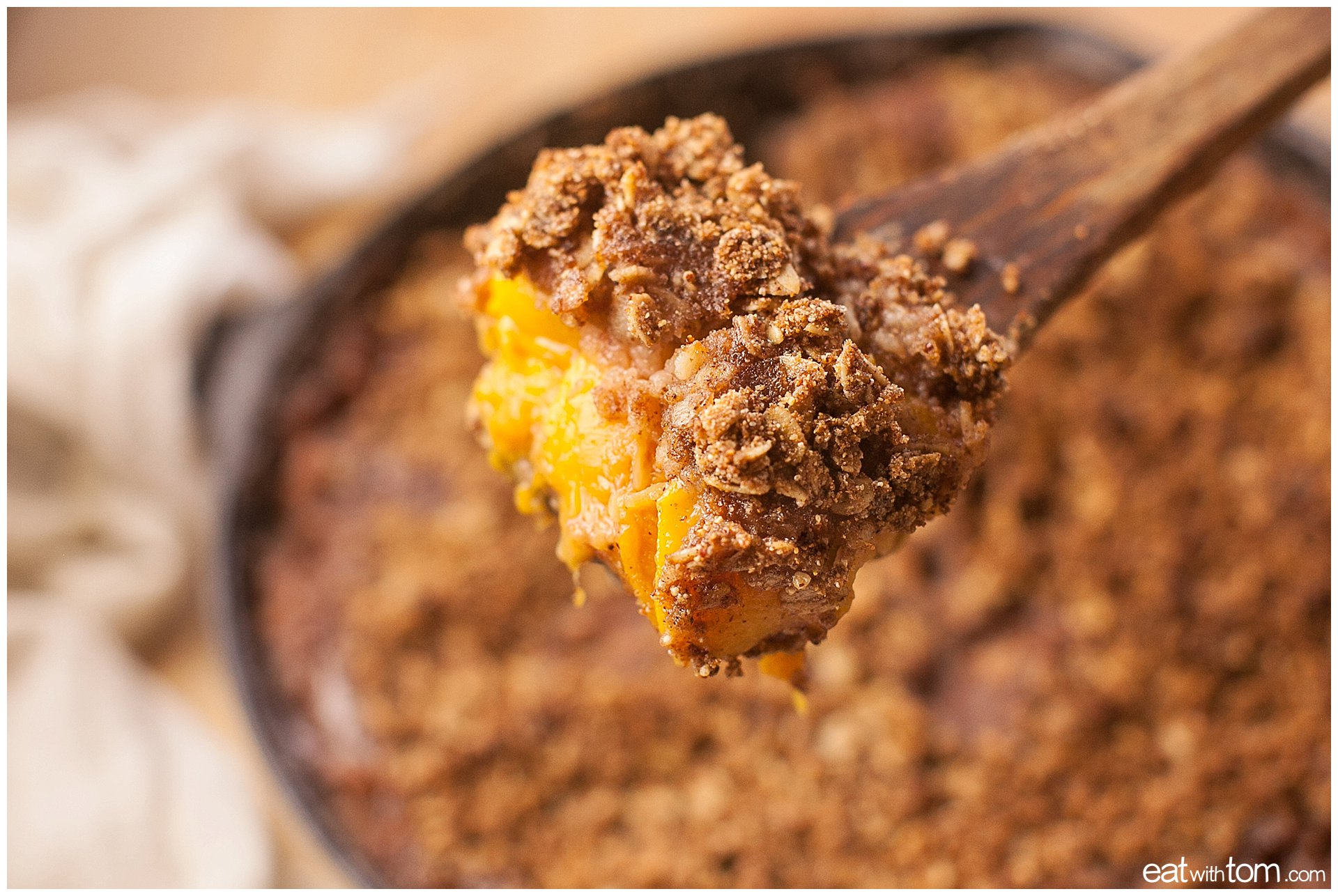 Peach quinoa crumble dessert recipe - Eat with Tom in Chicago - Food blog for the new food culture