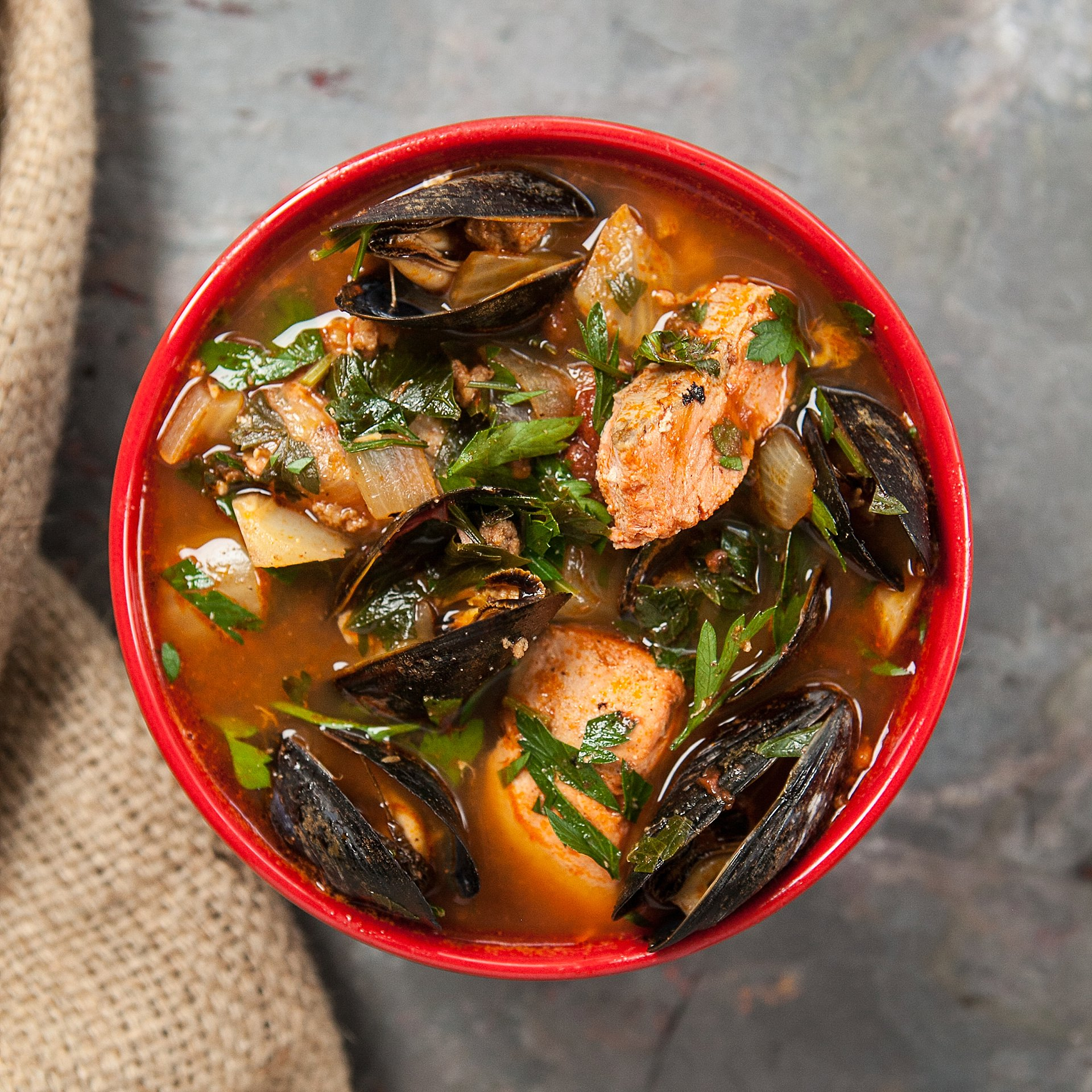 Seafood stew recipe w salmon mussels eat with tom for Recipe for seafood stew