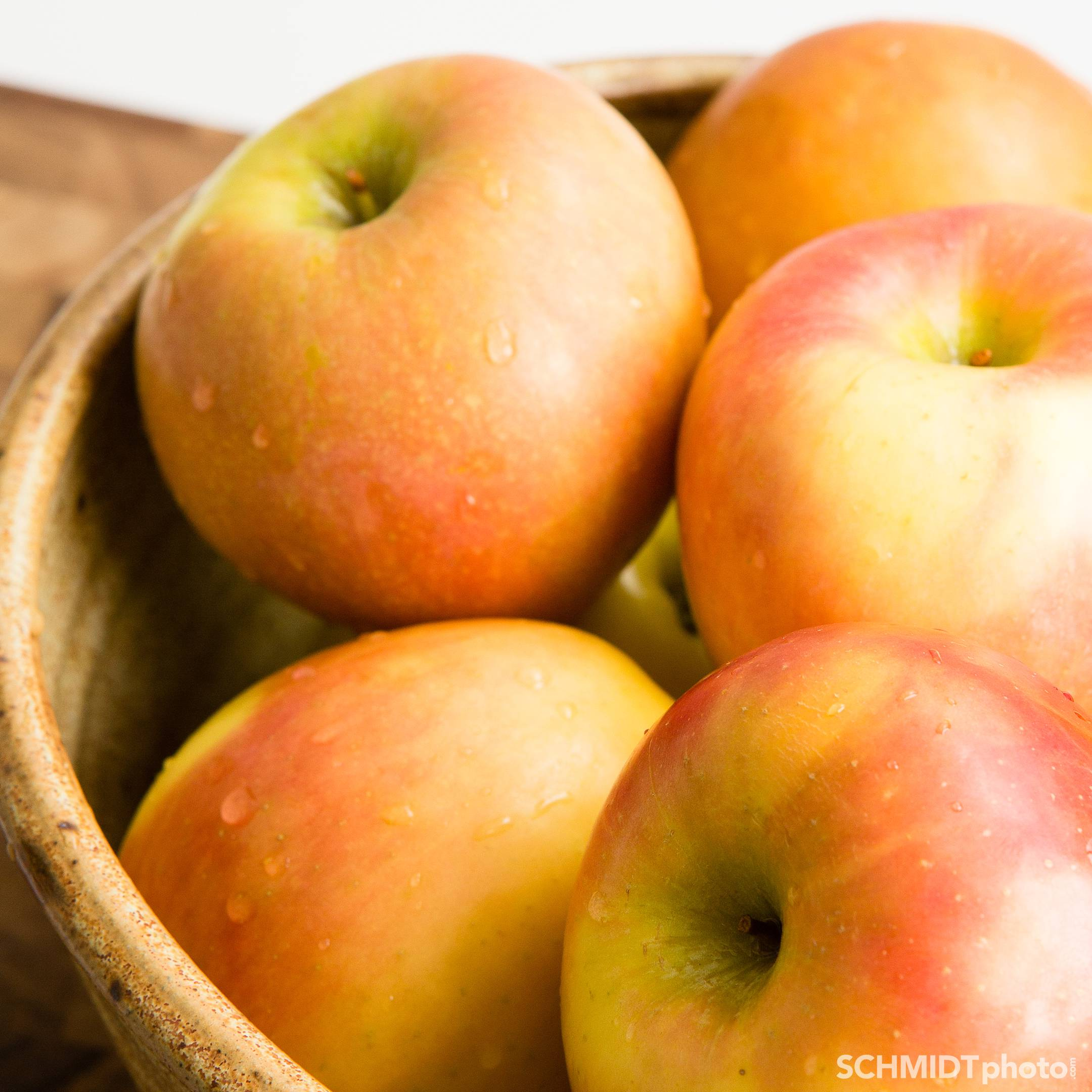 Applesauce recipe no frills easy to make at home eat with tom
